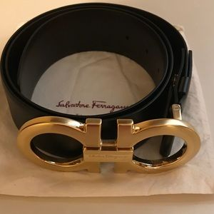 Salvatore Ferragamo belt-Gold